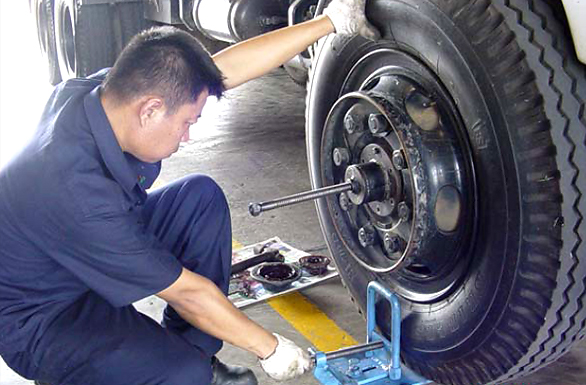 บริษัท สงขลา ไบโอแมส จำกัด อุปกรณ์ช่วยผ่อนแรงในการถอดดุมล้อรถบรรทุก